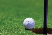 マスターズで観戦していた父親を目印にしたゴルフショットが本当に当たってしまう(海外の反応)