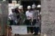 外国人「なぜ日本人がこれをするかって、良い人たちだから」日本の工事現場で撮られた一枚の写真に海外が驚き!