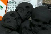 外国人「日本ではドクロ型のBBQ炭が普通に売られている(笑)」