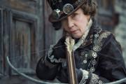 ロシアのお婆ちゃん「コスプレって凄く楽しいわね!衣装も全部で作るわ!」